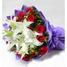 6 Pcs. White Lily with Red Roses in Bouquet