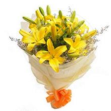 6 Pcs. Yellow Lilies in Bouquet